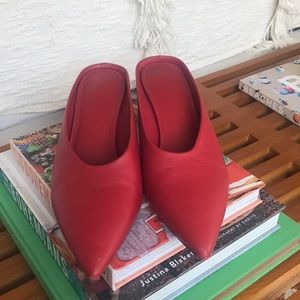 Vince red mules